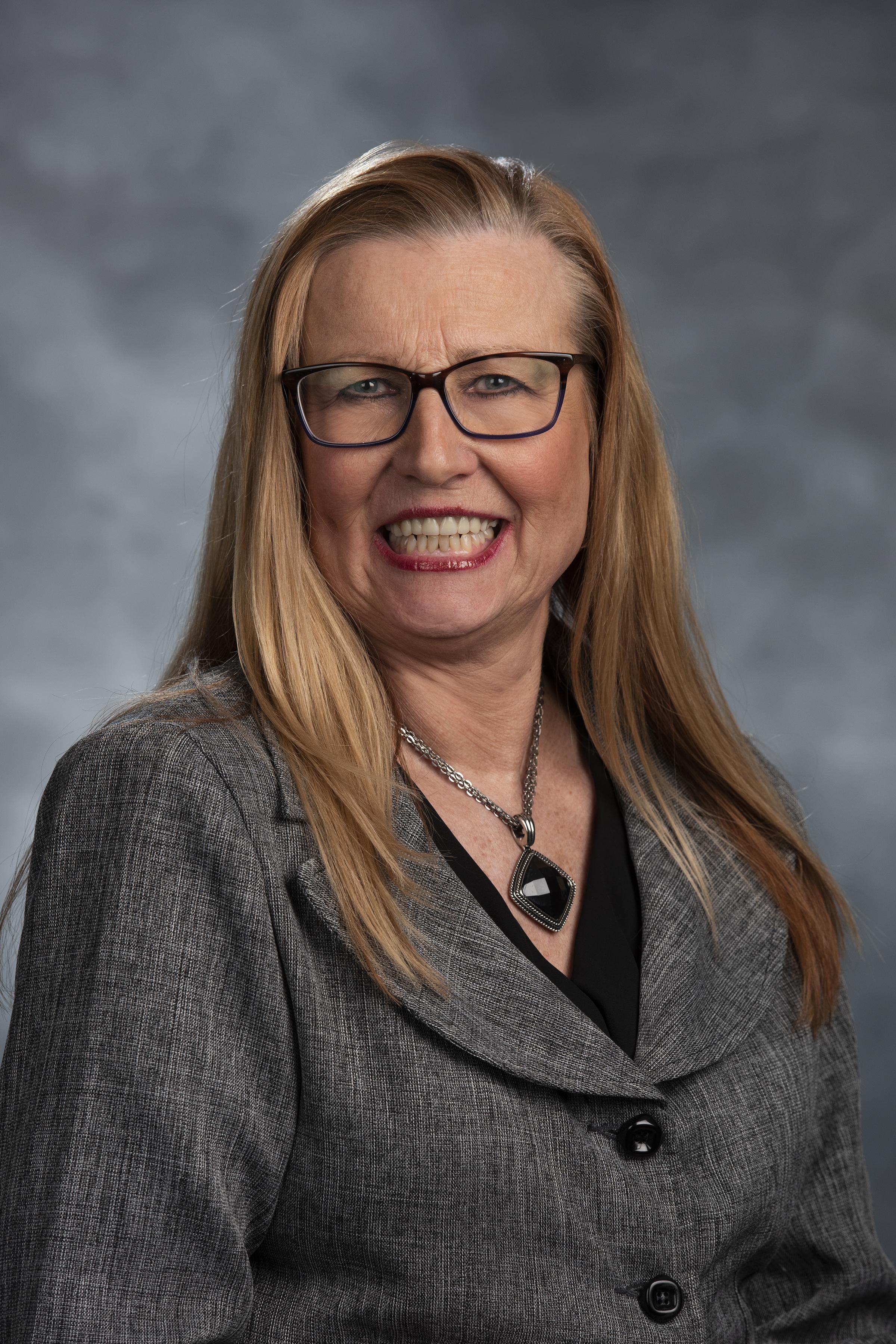 SuzanneHeadshot